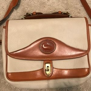 Authentic Dooney and Bourke Hand Bag!!